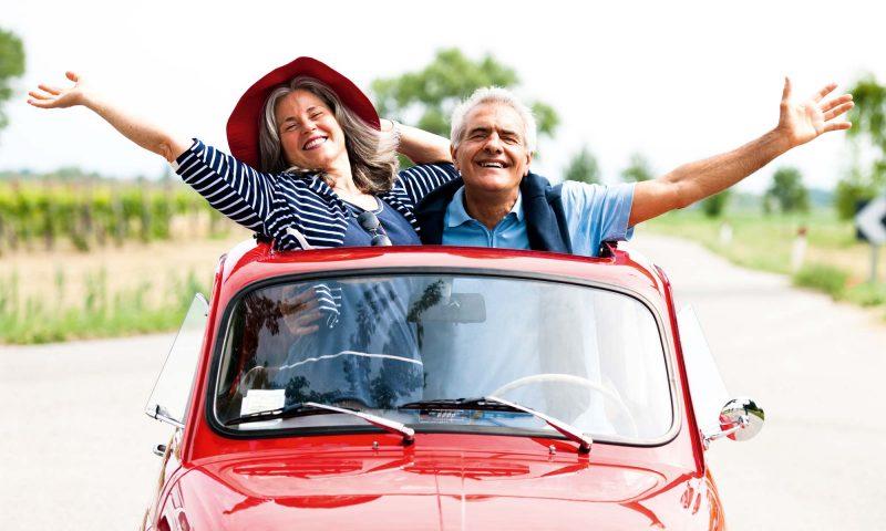Senioren in Cabrio